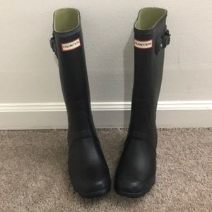Hunter Tall Boots Mismatched sz 6 ,7 NWT